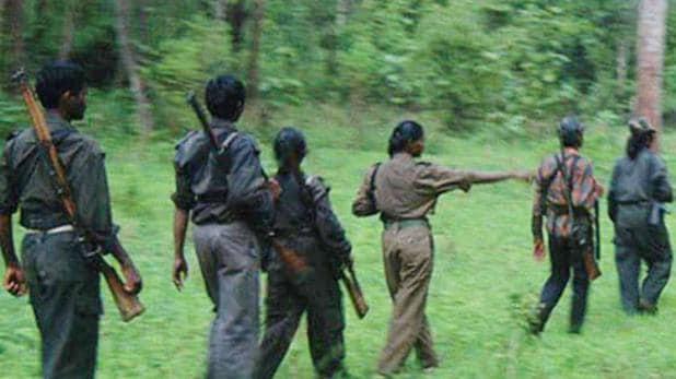 Photo of BREAKING : नक्सलियों ने सब इंजीनियर समेत तीनों बंधकों को किया रिहा